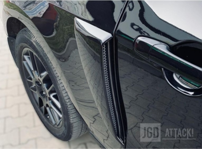 GT/CS Side Scoops (MUSTANG 10-14 all)