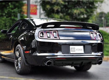 CALIFORNIA Style Rear Bumper Lower Diffuser (MUSTANG 13-14 V6, GT)