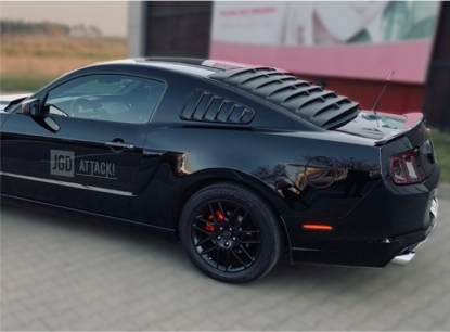 SpeedForm Rear Window Louver - Matte Black (MUSTANG 05-14 Coupe)