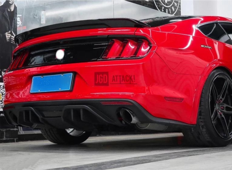 Single Hole Exhaust Rear Diffuser RTR (MUSTANG 15-17 GT Premium, EcoBoost Premium)